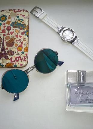 Стильные солнцезащитные зеркальные очки с шорами
