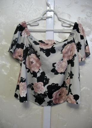 Красивая блуза в цветы со спущенными плечами new look