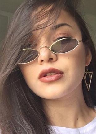 Ретро узкие овальные очки с черными линзами