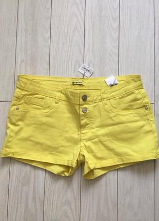 Короткие летние шорты