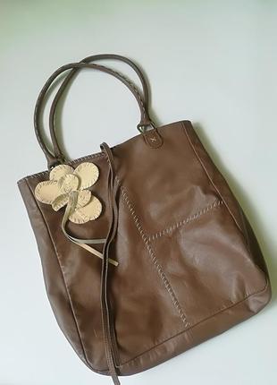 Кожаная сумка - торба с цветком