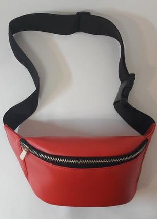 Красная бананка сумка на пояс