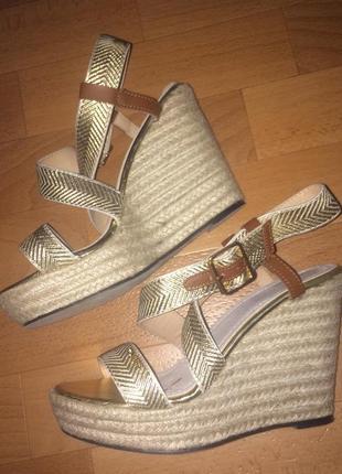 Босоножки, туфли, танкетка