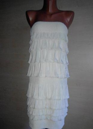 Супер платье  кремового цвета.
