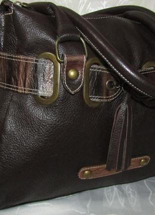 Вместительная итальянская сумка 100% кожа / vera pelle /