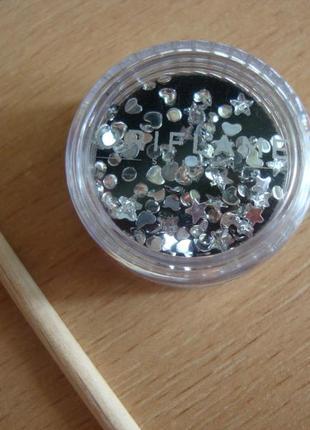 Стразы для украшения ногтей