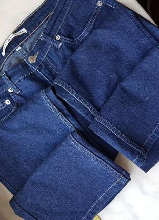 Актуальные джинсы синие с прямыми штанинами на высокой посадке хот tommy hilfiger