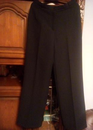 Ідеально скроєний класичний брючний костюм   \в моїй шафі приємні ціни!!!