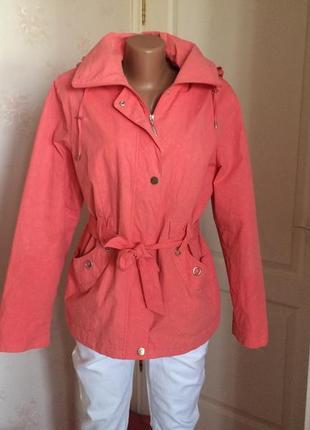 Куртка красивейшая демисезонная с капюшоном traum collection,англия