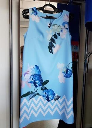 Женское голубое платье с розами