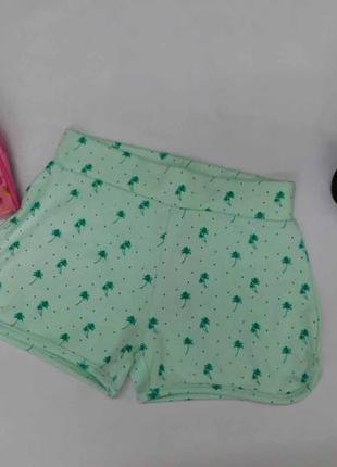 Трикотажные симпатичные шорты для девочки на рост 128 см