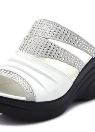 Брендовые сандалии коровьей стразами обувь женские