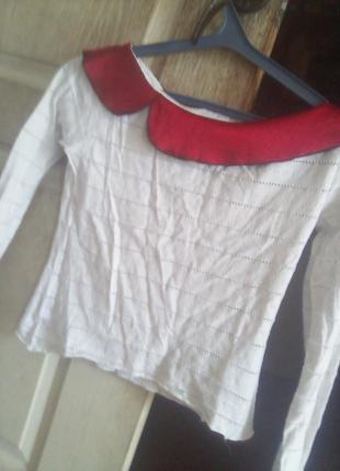 Белая блуза с атласным воротничком