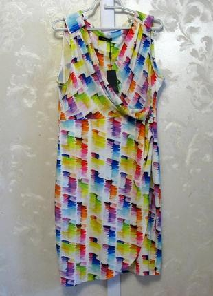 Яркое платье на запах m&co