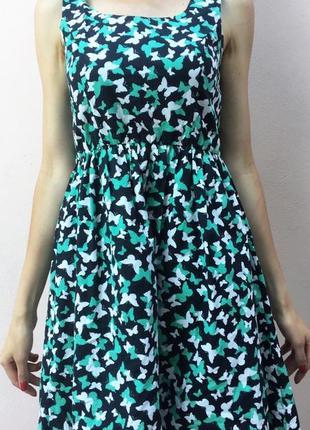 Літня сукня з метеликами