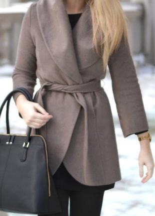 Tahari шерстяне пальто