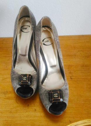 Туфли,босоножки just cavalli.оригинал.