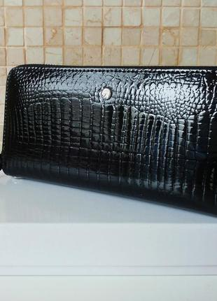 Женский кожаный кошелек - клатч