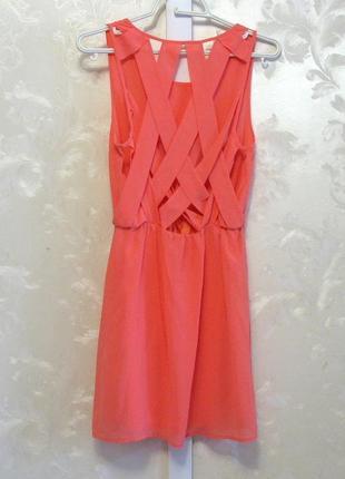 Платье персикового цвета с переплётами на спине h&m