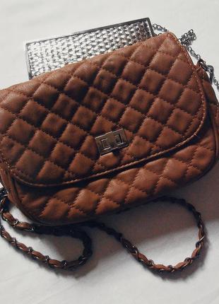 Очень красивая вместительная сумочка\клатч\кросс-боди\сумка на длинной ручке