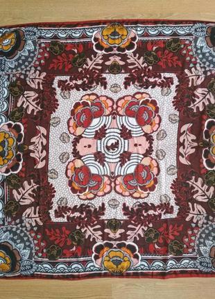 Шикарный большой платок,шелк+шерсть,есть нюанс