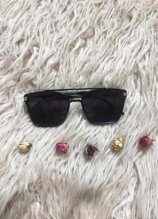 Черные квадратные очки
