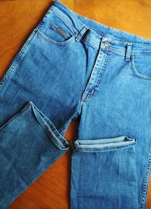 Джинсы бойфренды высокая посадка, мом джинсы прямые wrangler