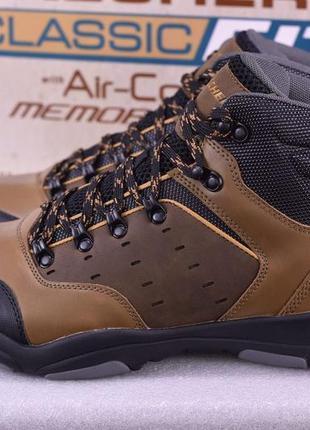 Skechers оригинал новые кожаные ботинки фирменные  размер 44 ( 29 см по стельке)
