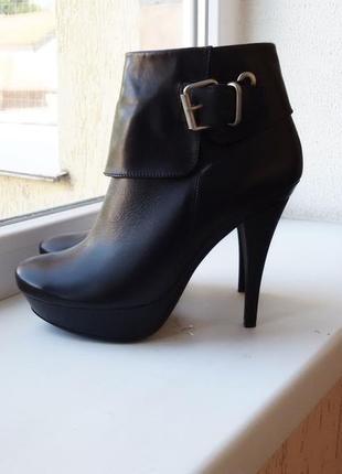 Ботинки женские  натуральная кожа