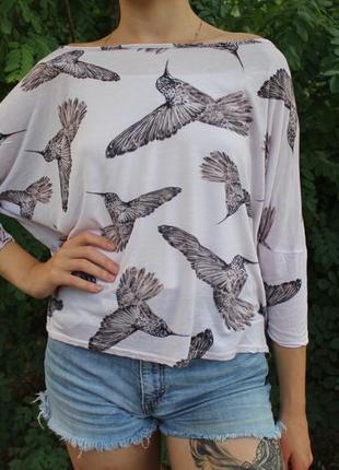 Белая свободная кофта с красивыми птицами