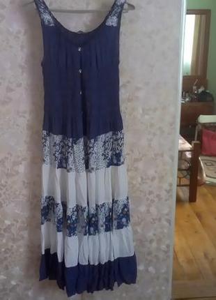Чудове плаття-сарафан