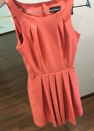 Летнее стильное платье