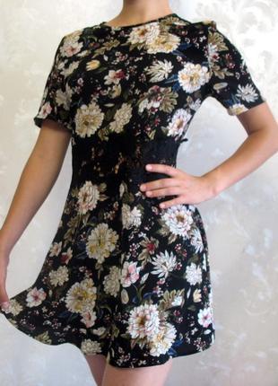 Милейшее платье с цветочным принтом и кружевной вставкой на талии new look