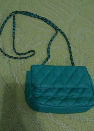 Яркая,маленькая сумка-клатч на длинной ручке-цепочке,бирюзовая,miss selfridge/стиль chanel