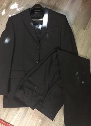 Отличный чёрный классический костюм next