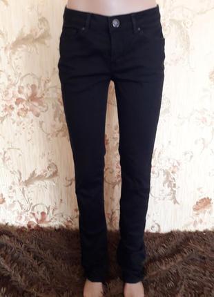 Стильные джинсы р-р м