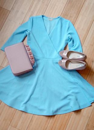 Весенне-летнее платье небесно-голубого цвета