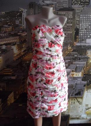 Яркое интересное платье бюстье