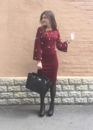 Костюм трикотажнйы бордо цвет марсала, с бусинакми офисный стиль деловой