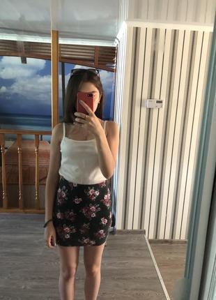 Продам юбку с цветочным принтом
