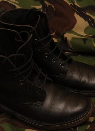 Clarks 36 рр, кожаные ботинки не вулканизированная резина