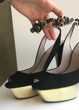 Супер босоножки на каблуке zara