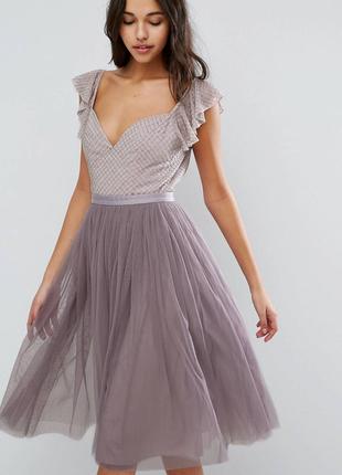 Шикарное платье миди с пышной  фатиновой юбкой