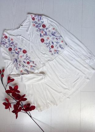 Блузка с вышивкой / вышиванка tu
