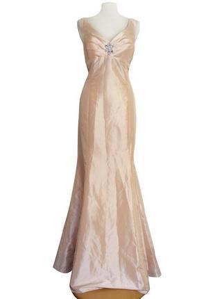 Шикарное нарядное нежное персиковое платье рыбка (xl, xxl)