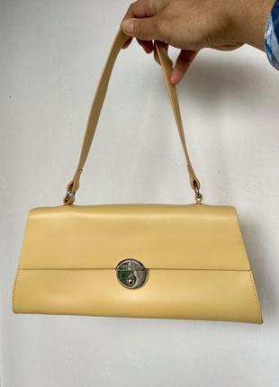 Брендовая кожаная сумочка  coccinelle,италия оригинал