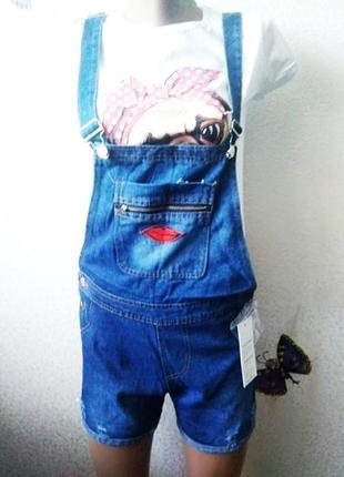 Джинсовый синий летний комбинезон шортами с вышивкой губками р.25-26