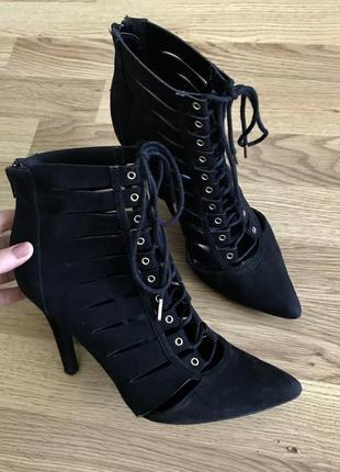 Стильные туфли ботинки на шнуровке