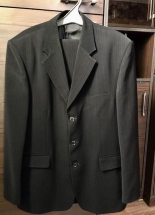 Мужской костюм , классический костюм