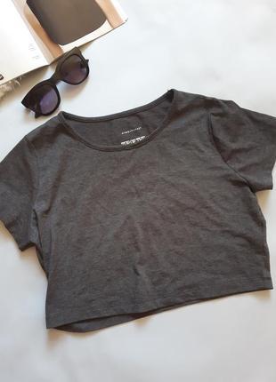 Короткая футболка топ